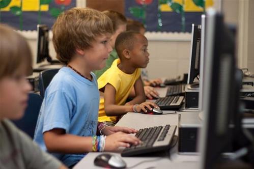 Vzdělávání na internetu: jak se samostatně vzdělávat efektivně a kvalitně?