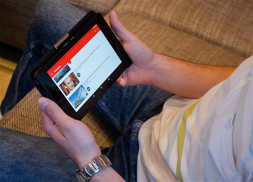 Reklamu u Youtuberů pozná jedno dítě z deseti